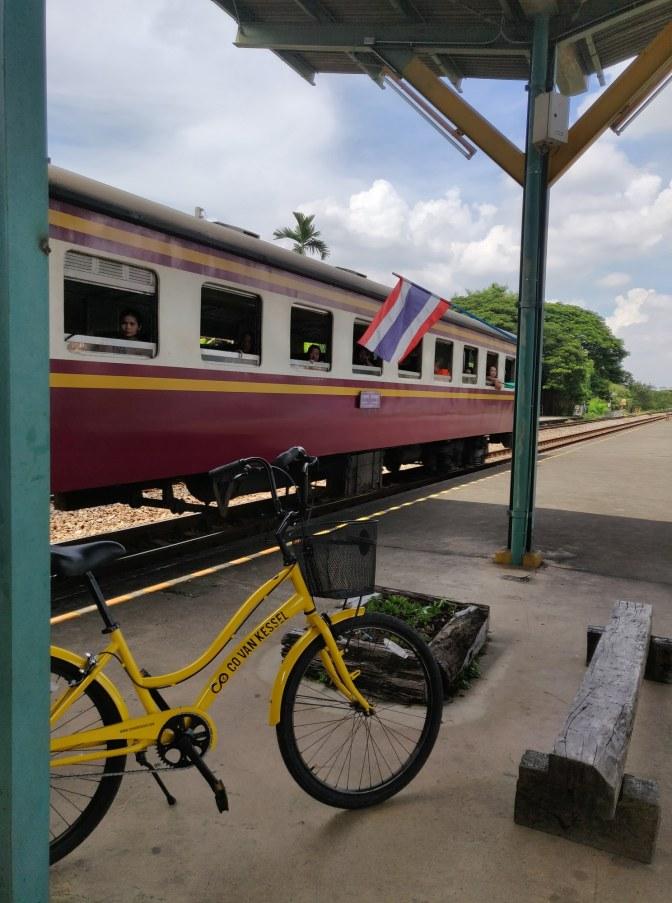 Treinstation net buiten Bangkok