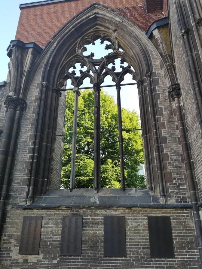 Een van de vele kerken van Hamburg