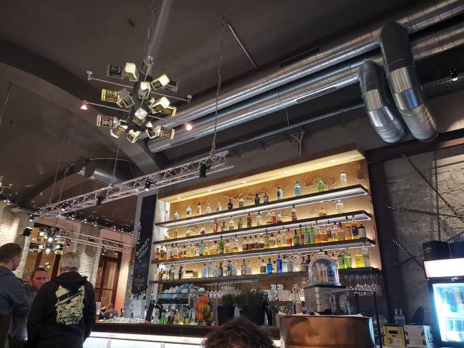 De bar is zeer indrukwekkend