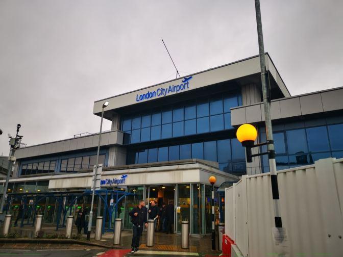 Londen City Airport: het bestaat wel! ;)