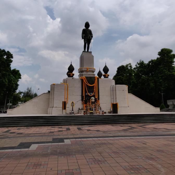 Standbeeld van Koning Rama VI
