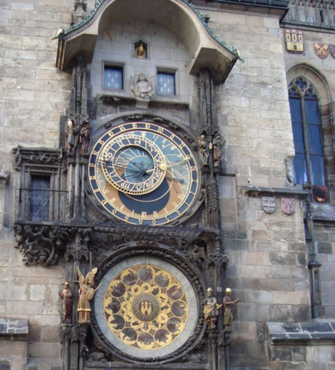De oude klok van Praag is ook het bekijken waard, zeker op het juiste tijdstip!