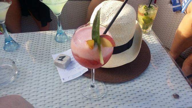 Oh ja, daytime cocktails zijn ook een fijne bijkomstigheid aan relaxen op Sardinië