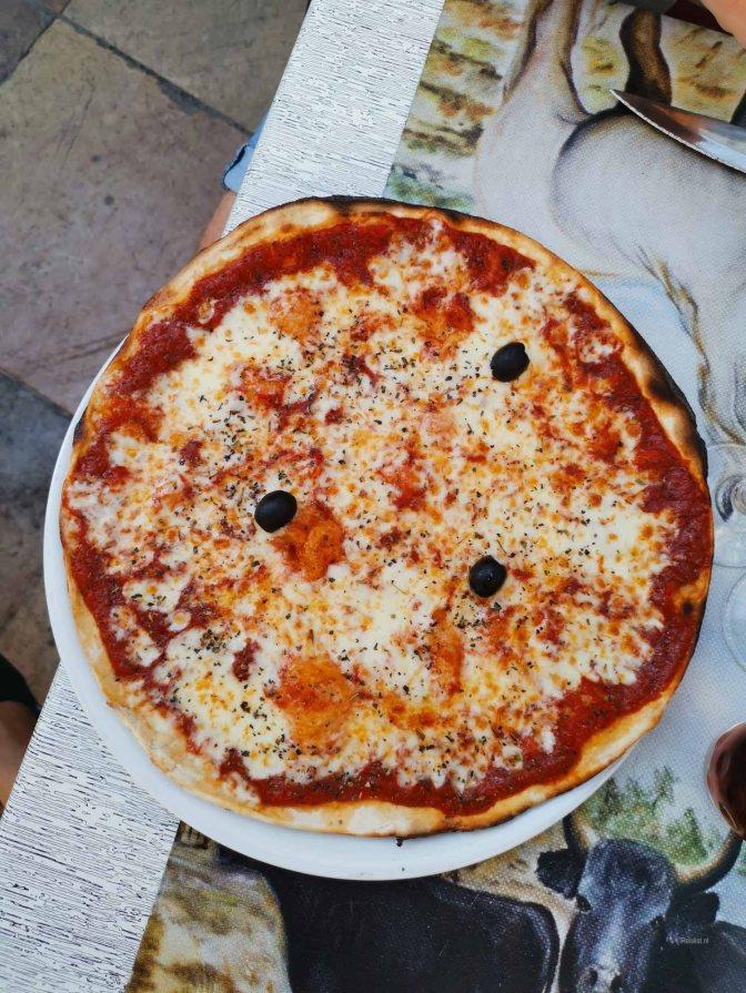 Dit is hem dan, de slechtste pizza in Nimes