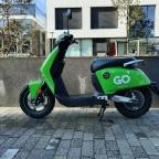 Een elektrische scooter huur je voor de kleine ritjes